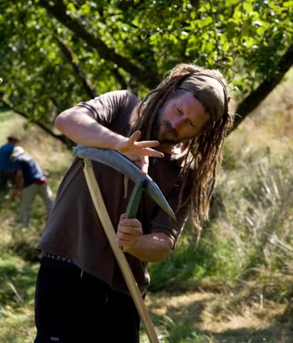 Sharpening scythe